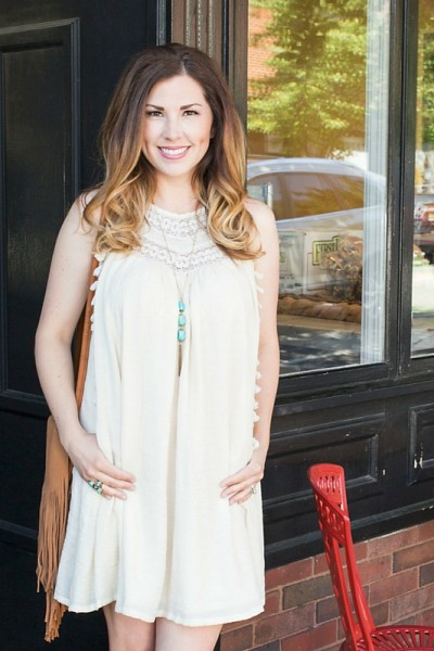 This little boho dress is perfect for summer! I love the details with the tassels and embroidery! I threw in some ankle booties, turquoise jewelry, and fringe to make it a little southern.